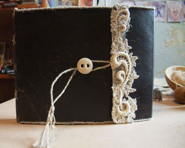 leather-and-lace-book-by-Mo13