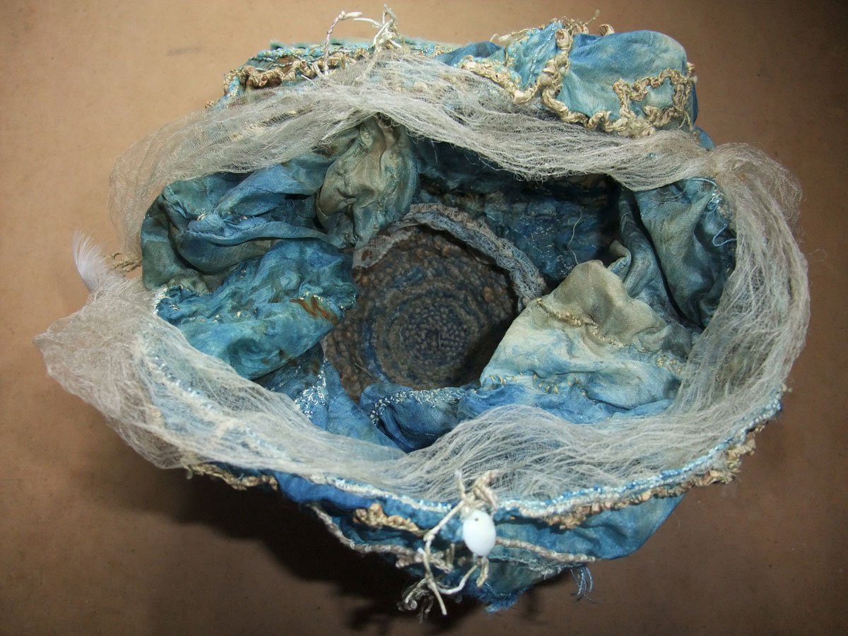 blue-moon-talinistic-dilly-bag-inside-Mo-2014