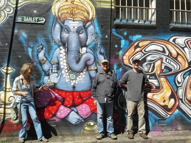 Mo, Ganesha,Old Man Crow and David in Newtown