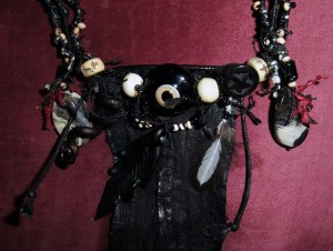 Talinisitic-Crow-Eye-Amulet-Mo-2014