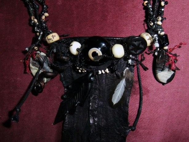 Talinisitic-Crow-Eye-Amulet-Mo-2014