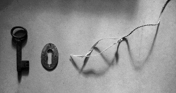 brass-key-back-door-photo-study-Mo-2014