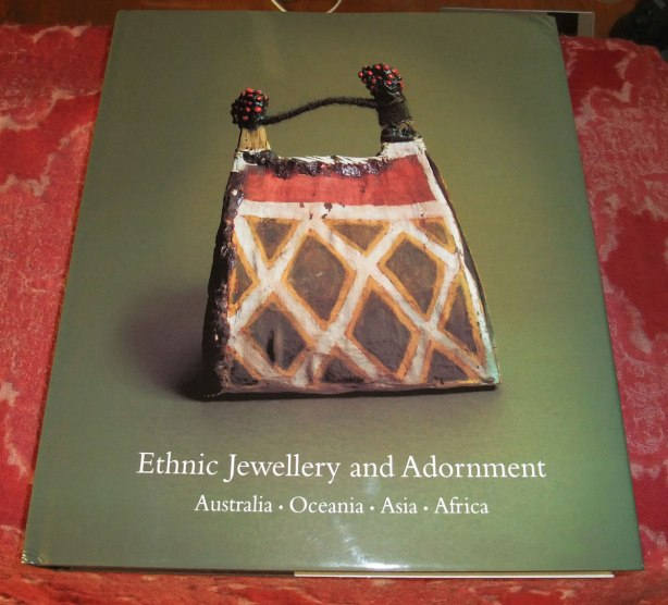 Ethnic-Jewellery-and-Adornment-by-Truus-Daalder