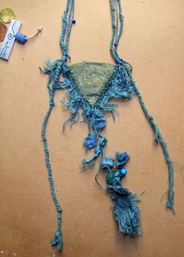 indigo amulet back detail by Mo 15Mo