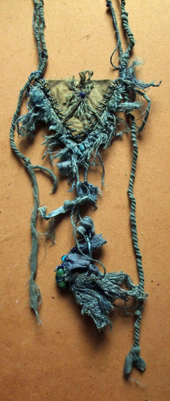 indigo amulet front detail Mo 15