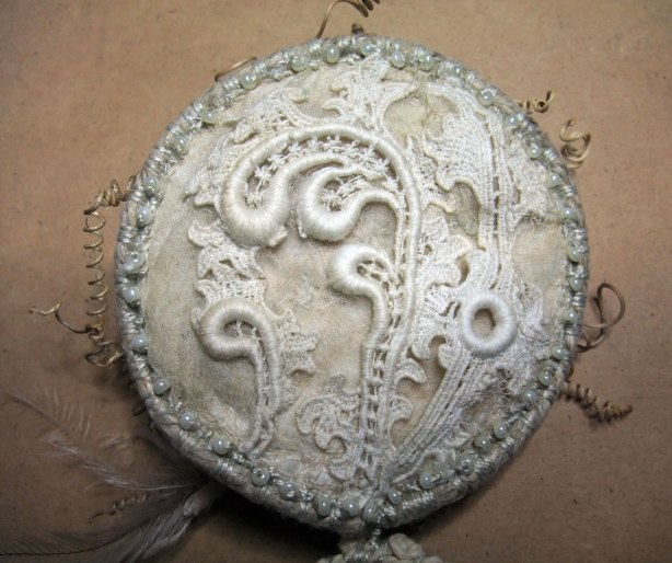 Toad-Moon-antique-lace-and-pearl-bead-detail
