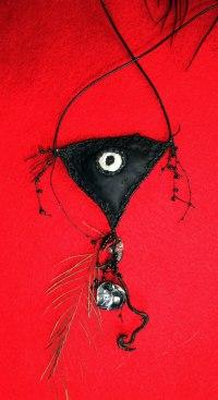 Crow Eye Amulet VI Mo15