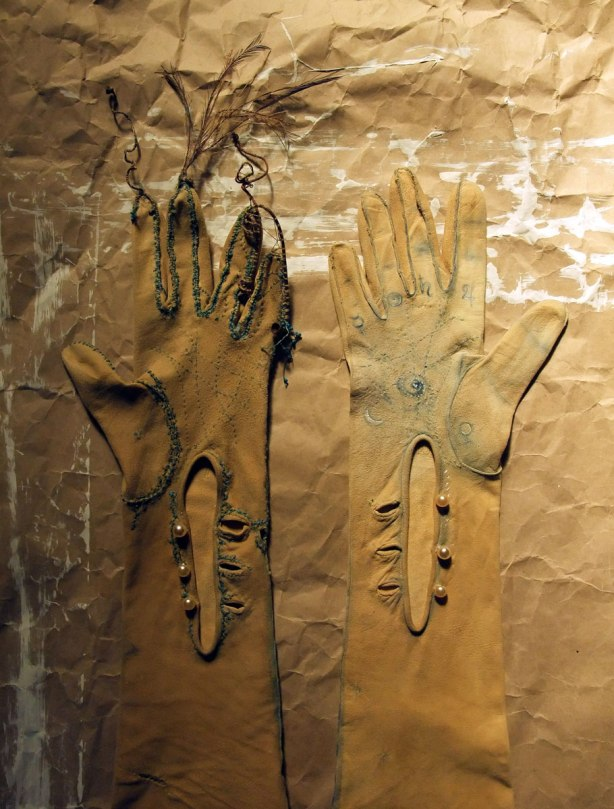 hands-of-fate-detail