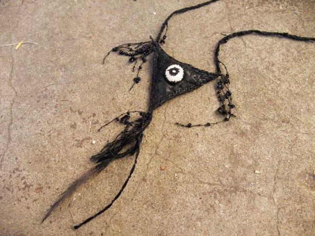 Crow-Amulet-detail-Mo15