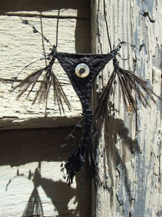 Crow-amulet-VIII-Mo16