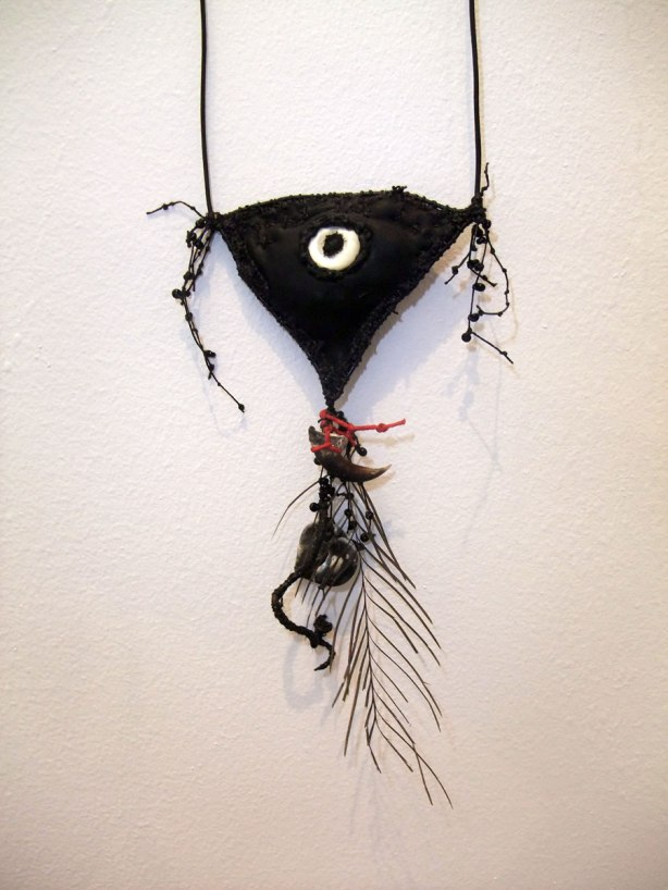 crow-eye-amulet-i
